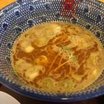 117099471 - 節と魚粉香るスープに醤油のコクと旨味で美味しい!