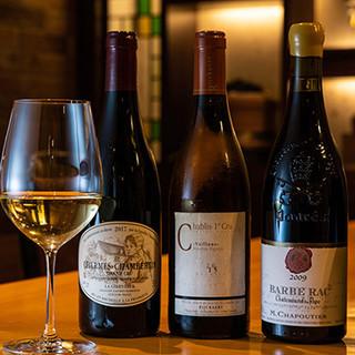 日本酒やワインと共に、お食事をお愉しみください。