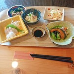 カフェレストラン 瀬里家 - 小鉢など副菜たくさん