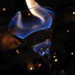 テランガ - カクテルグラスに揺らめく灯り