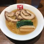 ラーメンぐんじ - 料理写真:塩チャーシュー麺