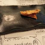 117126428 - マス茸の天ぷら(ひと口かじってしまいました……)