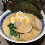 神田 焼きはまぐりSTAND - のり玉白らーめん880円