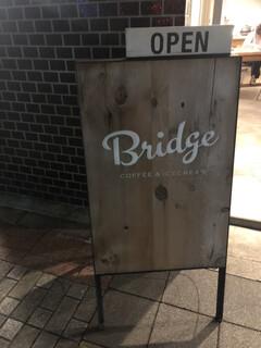 ブリッジ コーヒーアンドアイスクリーム - 外観