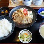 銭形 - 元祖 豚の生姜焼き定食