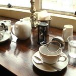 ライカフェ - 紅茶はポットで