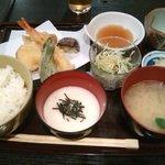 11714960 - 天ぷらととろろの定食