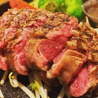 赤身肉ステーキ1180円~