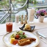 117143179 - 元気をくれる朝食