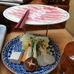 117144116 - 豚しゃぶしゃぶとお野菜