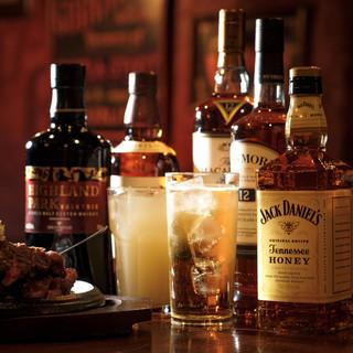 当店のハッピーアワーは、なんとカクテル&ウイスキーが半額!!