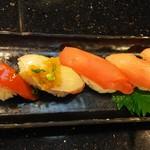 独楽寿司 - 料理写真:本まぐろ5点盛り