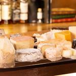 チーズ料理×ワインブッフェ シャンブレ - チーズプラトー