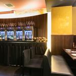 チーズ料理×ワインブッフェ シャンブレ - 店内サーバー