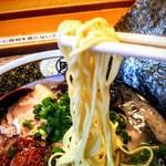 すごい煮干ラーメン凪 - 麺も煮干しラーメンとは違う細麺!