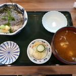 117173618 - 生しらす丼1000円(税別)