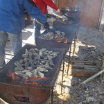 谷川水産 - アウトドアで焼いてます