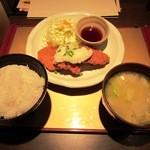 五穀 - おろしヒレカツ定食(ライス大盛)¥985