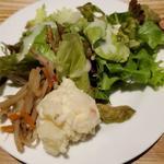 東京オーブン - サラダにはきんぴらとポテサラ