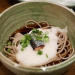 産直鮮魚と地酒 酒旬亭 中目魚 - 焼き秋刀魚のとろろ蕎麦
