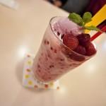 カフェ・レスト・シャトー - ドリンク写真:苺のスムージー   650円