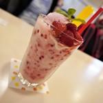カフェ・レスト・シャトー - 苺のスムージー     650円