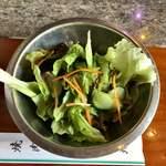 焼肉 永福苑 - ランチにつくサラダ