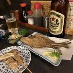 鳥定 - 骨せんべいはなんと200円!