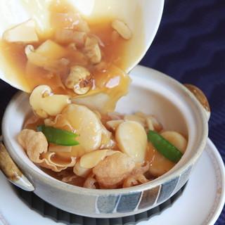 赤坂 四川飯店 - 料理写真:ホタテ貝柱と松茸のおこげ