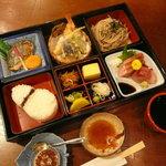 和風レストラン しんりん - お腹いっぱい「名胡桃懐石弁当」1200円(夜メニュー)