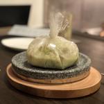 Senroya 泉三丁目 - 本日の鮮魚の香り豊かな包み焼き(あおさのソース)