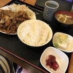 117208548 - スタミナ焼肉定食 780円