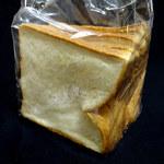 パン カンパニオ - 角食パン240円