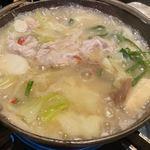 117243946 - でもスープにトロミが出て美味しかったです。雪見鍋