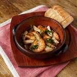 パブリック ハウス - 料理写真:芝海老とエリンギのアヒージョ