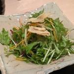 良彌 - [料理] 水菜と湯葉のサラダ プレート 全景♪W