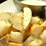 芯 - DU(デュー) 大人気!フランスパン、じゃがいも+チーズソースのかわりだねもんじゃアツアツでどうぞ!