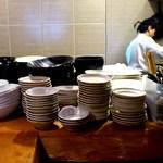 あっとほーむ中華ダイニング 剋 - 剋 @上板橋 店内 厨房方向