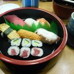 おしどり寿司 - にぎり寿司ランチ