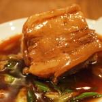 LEVEL - 愛農ナチュラルポークの豚角煮