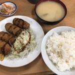 117284015 - カキフライ定食