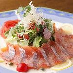 ビストロ シェカド - 牛肉のカルパッチョ風サラダ