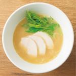 コラーゲンたっぷりすみれの濃厚鶏白湯ラーメン