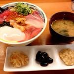 割烹 秋やま - 海鮮丼(並)♪