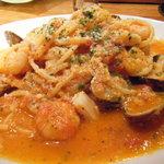 バーリーズ - 魚介のトマトパスタ