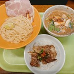 拳10ラーメン - 料理写真:イベリコ豚ドロと松茸のDXつけ麺+ミニ軟骨丼(¥2000)