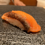 寿司 赤坂 湊 - オーロラサーモンの砂糖〆