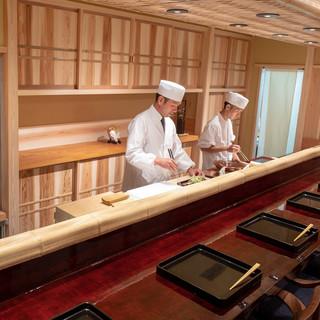 京都の料理屋さんを思わせる空間