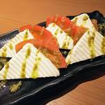 jidorisemmontenkoshitsuizakayakittei - トマトのカプレーゼ
