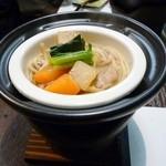 和菜割烹 いしだ - 2012/02の夜の会席料理(うどんの上に金沢の郷土料理の治部煮がのっていました。)